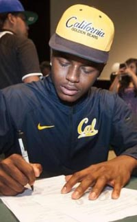 Jaylinn Hawkins signs letter of intent during ceremony at Buena Park last February. There should be another large group signing this February. Photo: hometeamsonline.com.